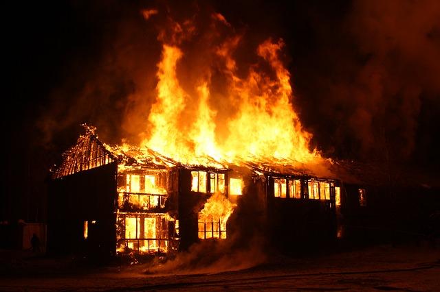 ¿Cómo actuar en caso de incendio en el hogar?