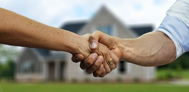 Antes de comprar una casa, tómese su tiempo
